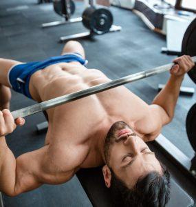 Fitness schema borstspieren